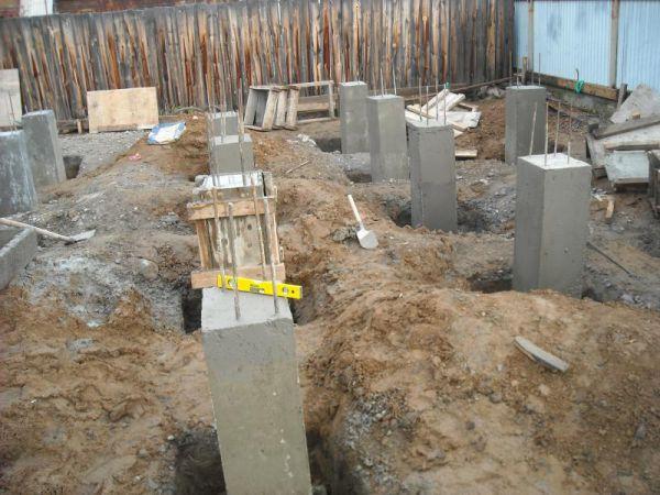 Монолитный бетонный опорно-столбчатый фундамент