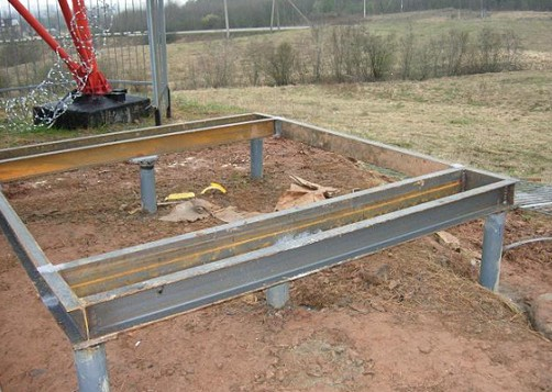 Обвязка свайного фундамента двутавровой балкой